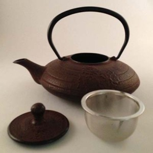 Acc-9-Tea-Pot-Cast-Iron-Cherry-color400