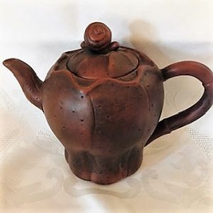 Yixing / Zisha Tea Pot - Lotus flower with snail lid